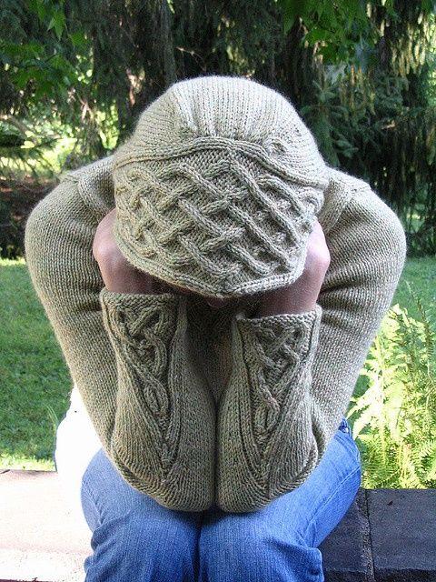 Ravelry - Rogue Hoodie Knitting Pattern:
