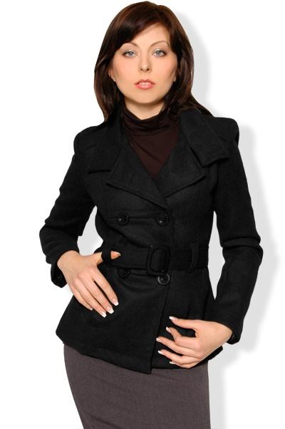 Abbigliamento da Donna  http://www.abbigliamentodadonna.it/cappotto-donna-corto-p-290.html Cod.Art.000467 - Cappotto da donna corto, modello a giacchino con cintura dalla linea moderna, realizzato in morbida lana. E' dotato di spalline imbottite ed e' foderato internamente.