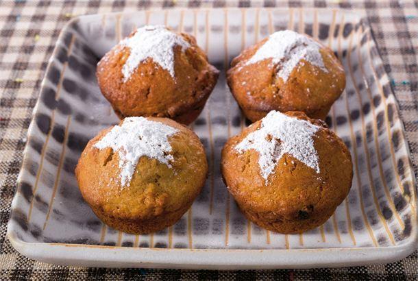 Piparimuffinit ✦ Piparkakkujen ystävälle maistuvat nopeasti valmistuvat piparinmakuiset muffinit. http://www.valio.fi/reseptit/piparimuffinit/