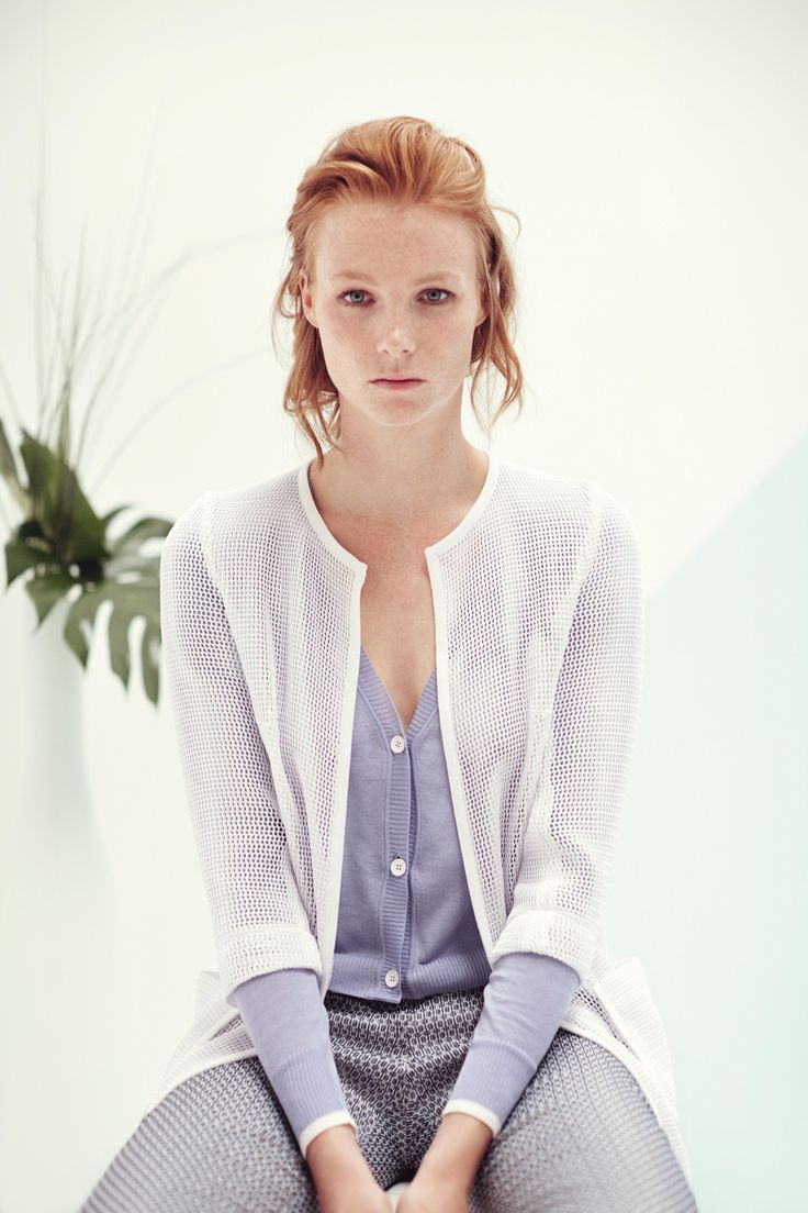 Long chanel in net fabric, 5 pockets pant. Short cardigan with V-neck and contrasting detail on the wrist. TONELLO WOMAN SS15 www.tonello.net