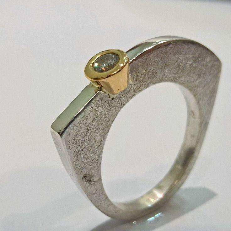 #anello in #oro #diamante e #argento