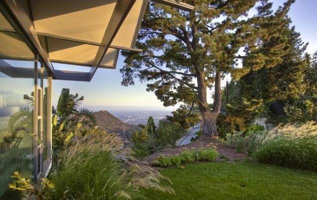 2427 Solar Drive Yard Jpg 637 403 Pixels Home And Garden Ziprealty Outdoor