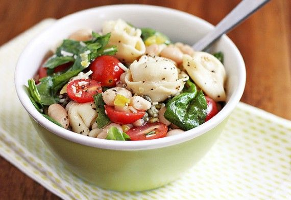 Cheese Tortellini Salad with Cherry Tomatoes and Fresh Spinach: Pound Cakes, Meatless Mondays, Chee Tortellini Salad, Pasta Dishes, Tortellini Salad 3, Cheese Tortellini Salad, Recipes, Healthy Eating, Cherries Tomatoes
