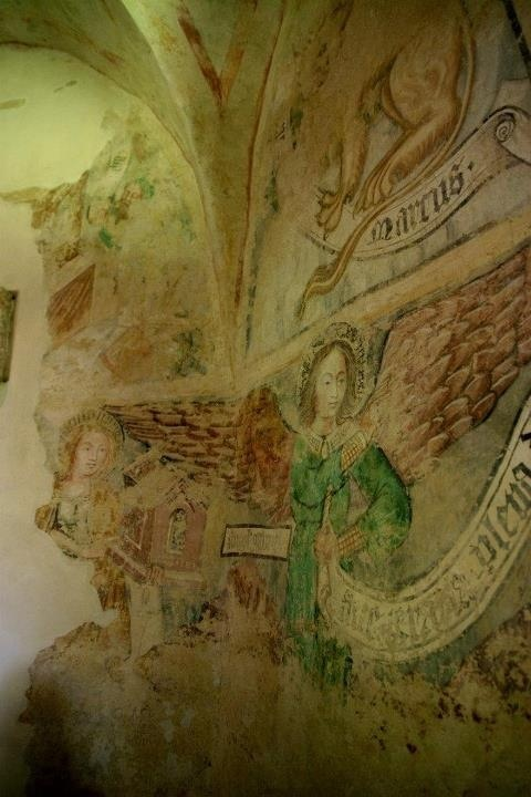 Inside the church, Velemér  picture by www.pajta.hu