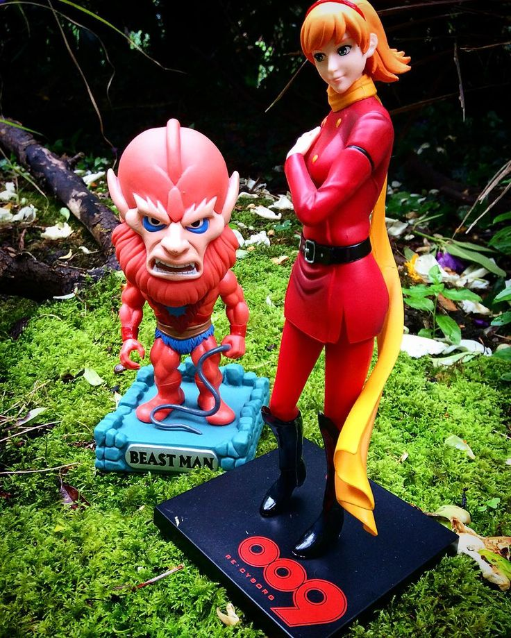West meets Ost! As our stall kept us quite busy we just managed to treat ourselves to a toy each at this Comic Con :). Ken got a figure from his very favourite Cyborg009 - Françoise Arnoul - Cyborg 003. Miriam got herself a funky Beast Man wobbler ;) from MOTU!  #beastman #mastersoftheuniverse #motu #mcmcomiccon #mcmlondoncomiccon #mcmlondoncomiccon2016 #londoncomiccon #westostcartoonlovers #Cyborg009 #サイボーグ009 #francoisearnoul  #cyborg003 by westost_cartoon_lovers