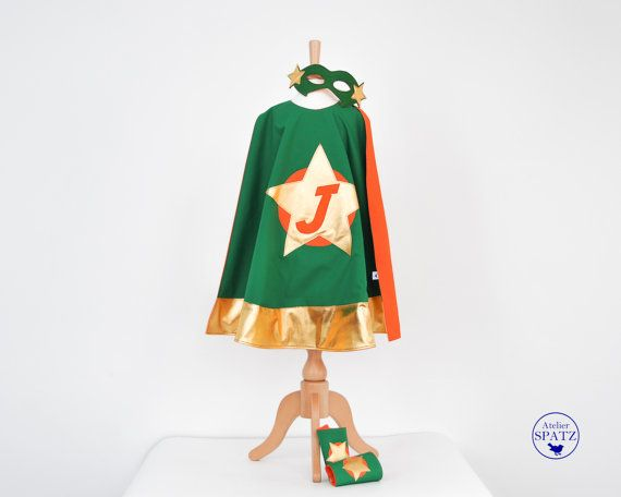 Children's Superhero Outfit, Cape, Mask & Cuff Set, Personalised Superhero, Kids Costume with personalised logo - handmade by Ateliers Spatz