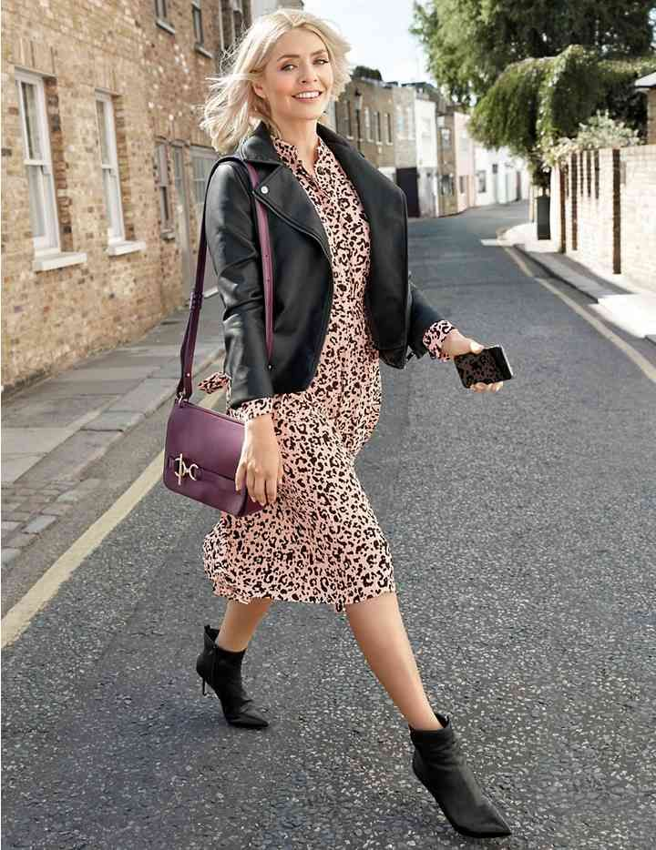 013459181d3 Holly Willoughby - Animal Print Long Sleeve Shirt Dress by M S