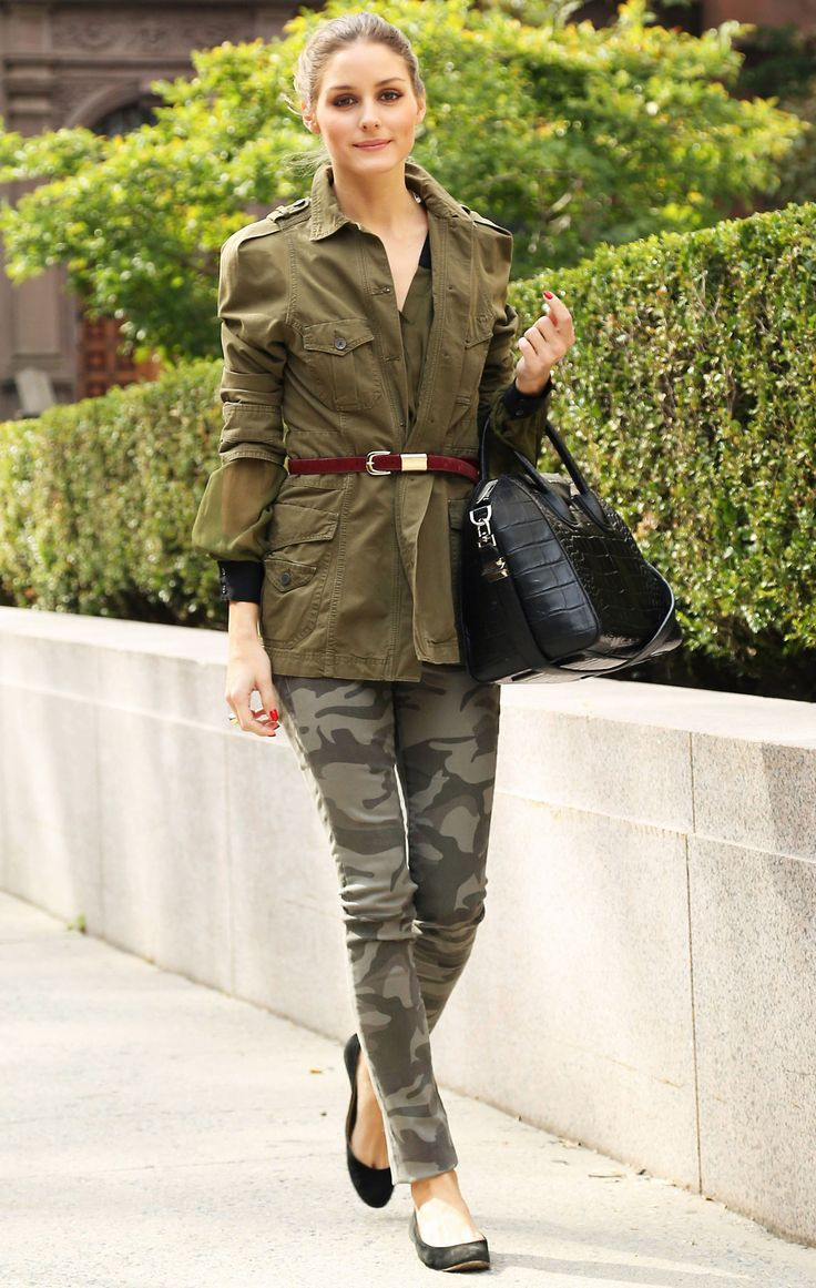 chic army look: camo pants with military jacket and heels