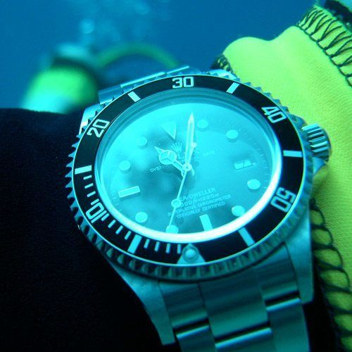 """One leading source offers a definitive answer to the question of what determines whether a timepiece can legitimately called a """"dive watch"""" or """"divers' watch"""" in this article."""