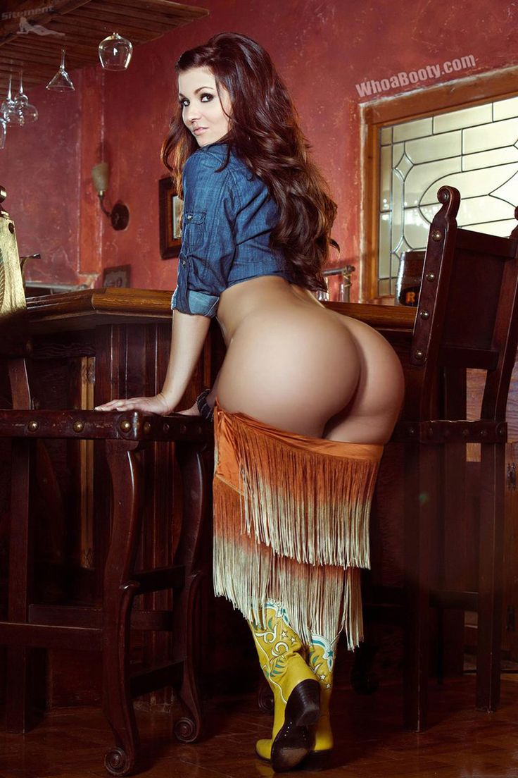 hot-naked-women-showing-their-butts