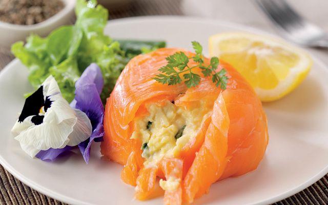 Scrambled eggs in smoked salmon - Anton Edelmann