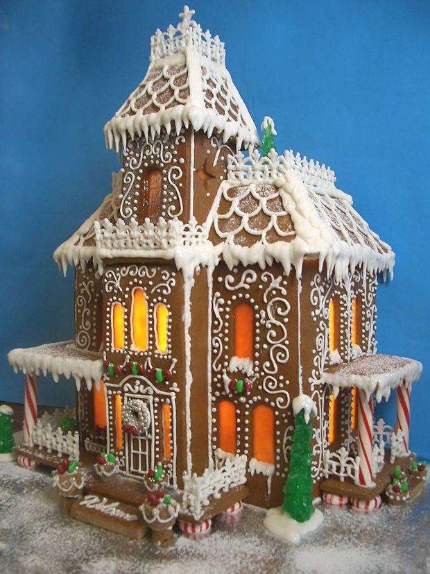 Simple inspiring gingerbread house ideas 1