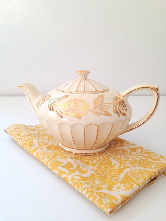 Vintage English Bone China Sadler 4 Cup Tea Pot by MariasFarmhouse, $55.00
