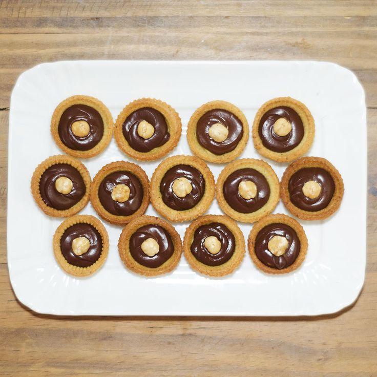 Mini crostatine alla nocciola e cioccolato