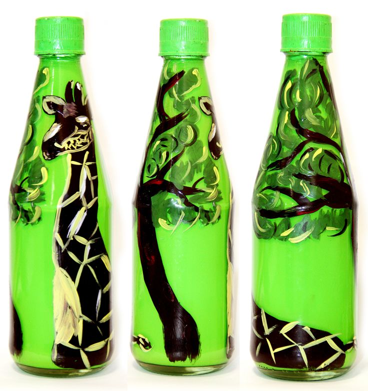 Rotating painting of a giraffe eating from a tree, made on a empty sauce bottle