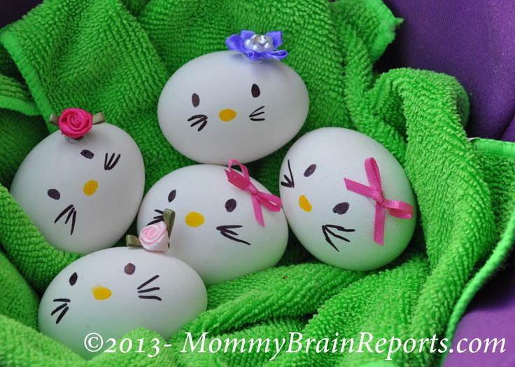 DIY: Hello Kitty-esque Easter Eggs--How stinkin cute are these?