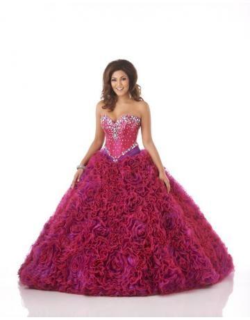 belle robe de mairée rouge florale ornée de cristal