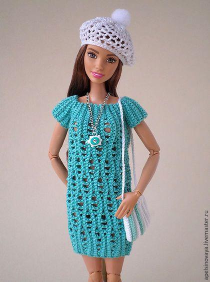 Купить или заказать Комплект одежды для Барби в интернет-магазине на Ярмарке Мастеров. Комплект вязанной одежды для Барби, в который входят: платье, шляпа и сумочка. Платье без застежки, одевается через ноги. Платье связано по описанию мастера Багира. Уважаемые покупатели, цвет изображения может незначительно отличаться от реального цвета. Это может быть связано, как с разностью в настройках мониторов, так и с личным восприятием того или иного цвета. Учитывайте это при заказе.