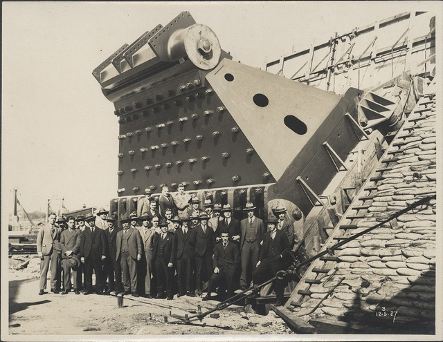 Construction of Sydney Harbour Bridge main bearing, 1927 by Powerhouse Museum Collection, via Flickr