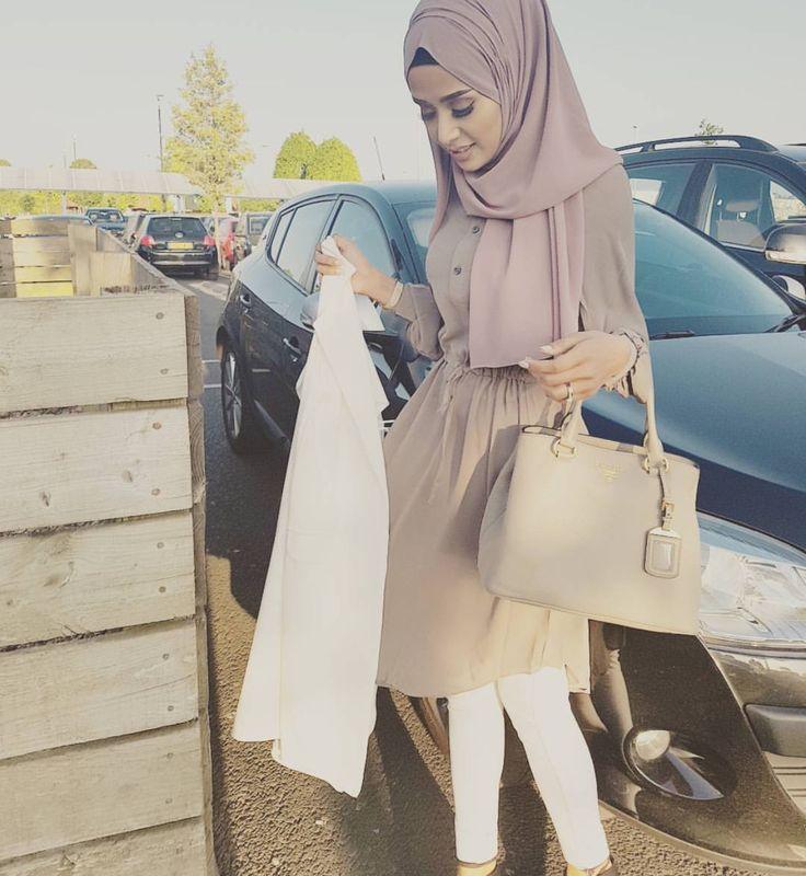 Mauve bottoned dress and hijab - check out: Esma <3