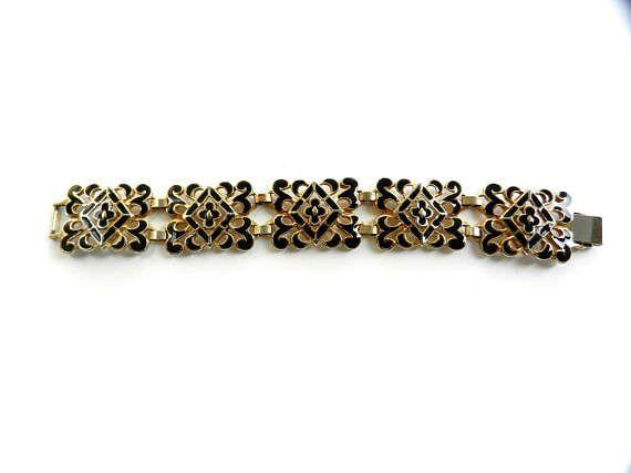 Amazing openwork fancy links square & black enamel bracelet