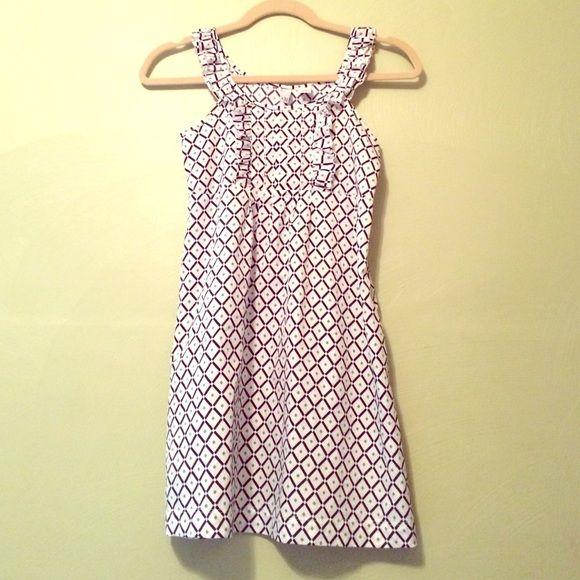 Old navy Petite dress Diamond print dress, few Ruffles, olive green, black and white Old navy Dresses Mini