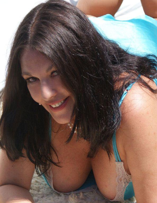 Hyapatia Lee: still super sexy at 50!