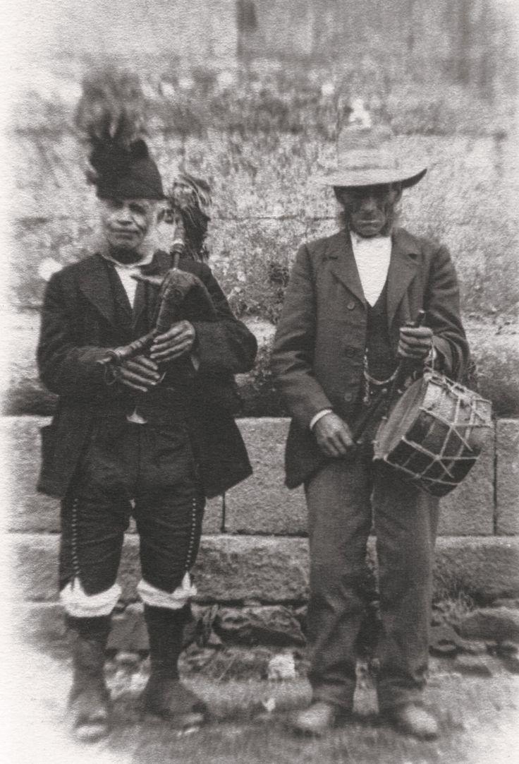O Rilo de Betanzos. Rocking the gaita y tambor like it's 1899.
