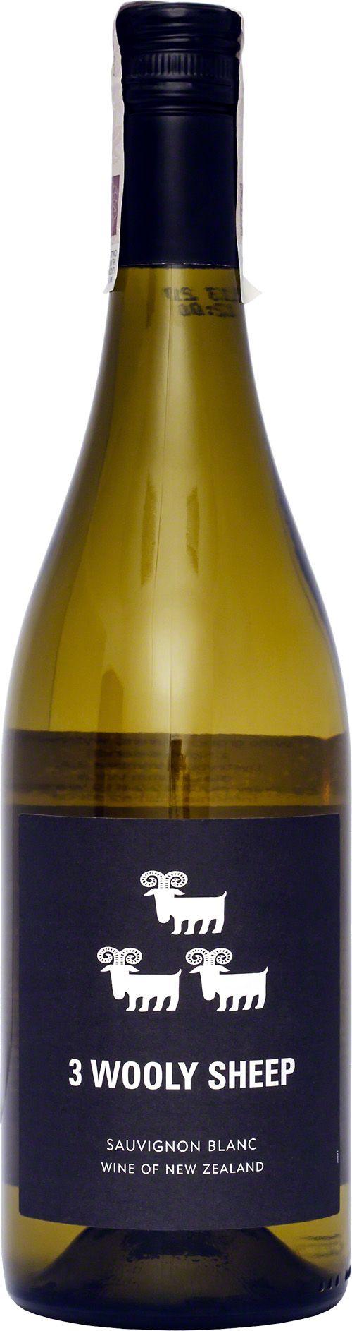 The Three Wholly Sheep Sauvignon Blanc Tak jak owieczki z etykiety, wino również lubi ciepły klimat i jest wizytówką malowniczej Nowej Zelandii. Jest bardzo świeże i delikatne, o orzeźwiającym zapachu cytrusów. #TheThreeWhollySheep #SauvignonBlanc #NowaZelandia #Wino #Winezja