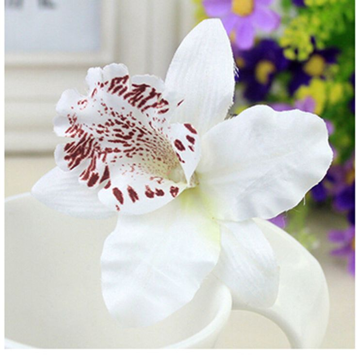 Vrouwen Meisje Bohemen Bruids Bloem Orchidee Luipaard Haar Clip Haarspelden Baret Bruiloft Decoratie Haaraccessoires Strand Hairwear in New Fashion 2pcs Sponge Hair Styling Donut Bun Maker Chrismas Magic easy using Former Ring Shaper Styler Tool 3 colorsUS van haaraccessoires op AliExpress.com | Alibaba Groep