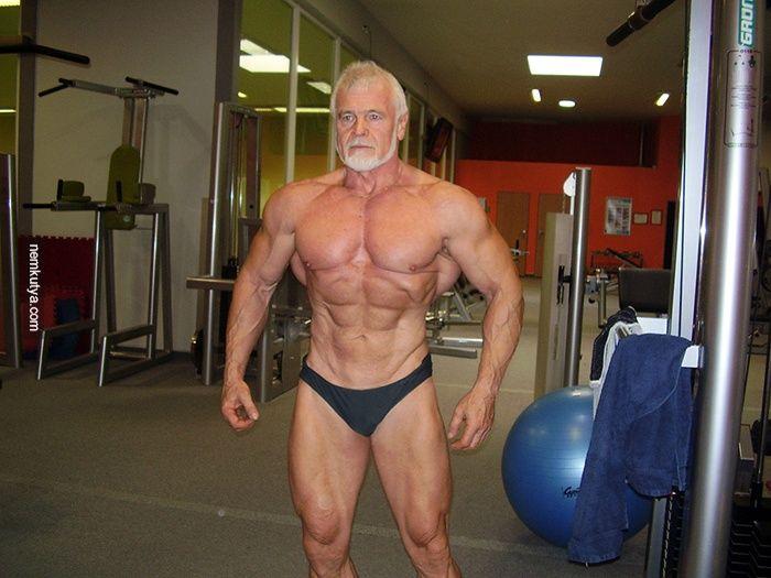 Nemkutya.com - Csak egy 65 éves testépítő