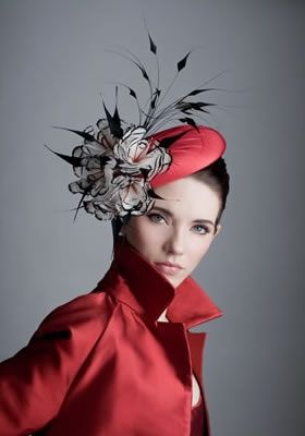 RH0805 - Red taffeta beret with black and white feather flowers