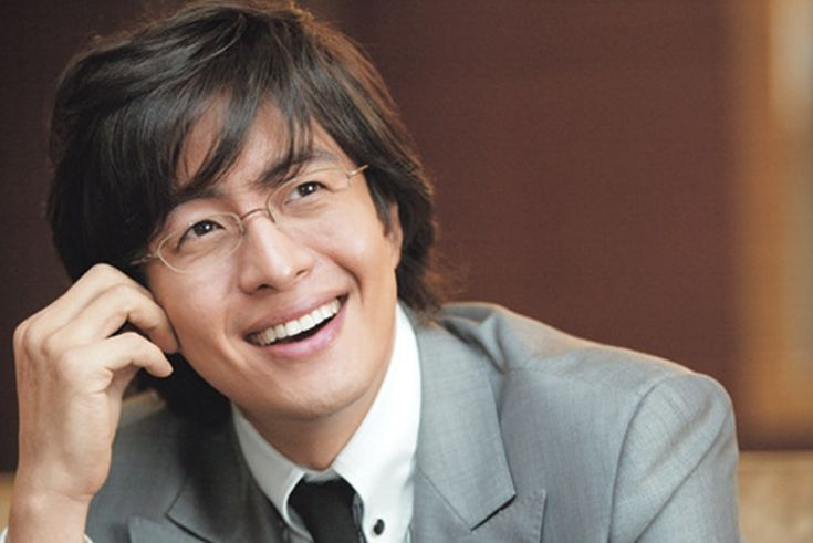 The 13 most distinguished looks of Bae Yong Joon