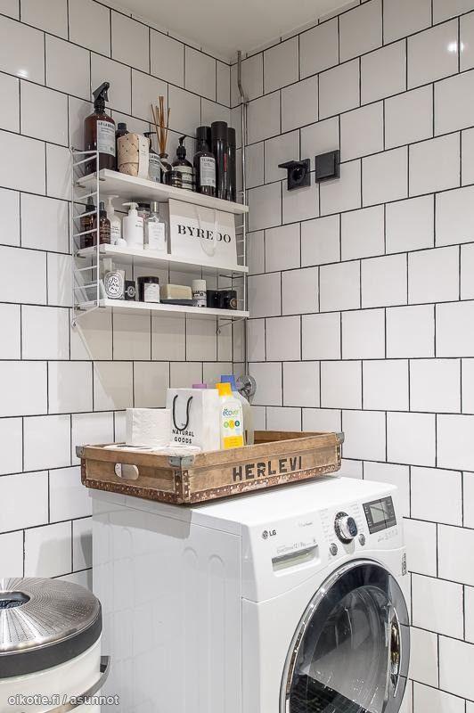 Jokirannan tunnelmallinen koti - a handy bathroom shelf