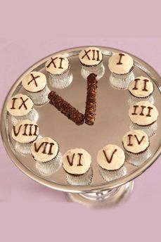 This cupcake clock will help you count down to the New Year!