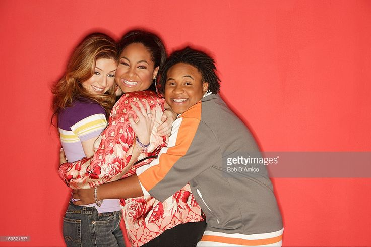 S SO RAVEN - 'That's So Raven' stars Anneliese van der Pol as 'Chelsea Daniels,' Raven-Symone as 'Raven Baxter' and Orlando Brown as 'Eddie Thomas.'