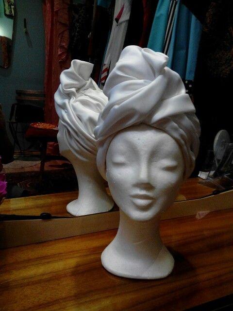 White wedding turban by Ozmonda #ozmondahat #OzmondaHatGallery