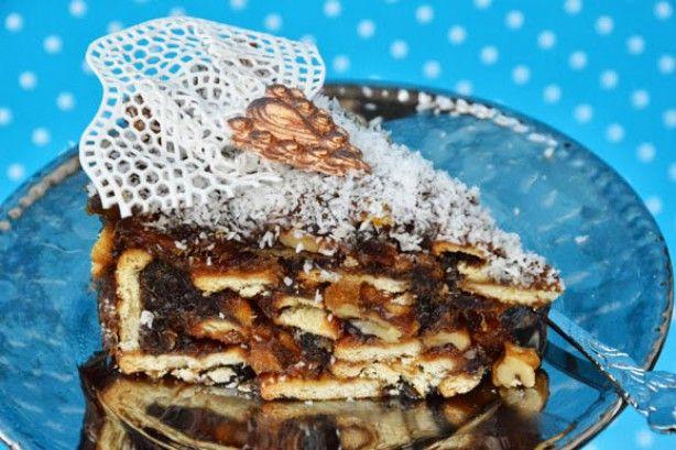 Een no bake recept met lekker zoete, kleverige dadels. Versierd met een stukje sugarveil.