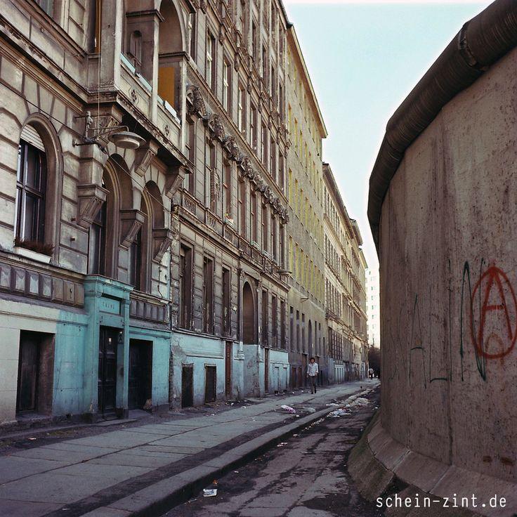 Die Mauer, Berlin in den 1970ern #berlinermauer #70er #berlinwall