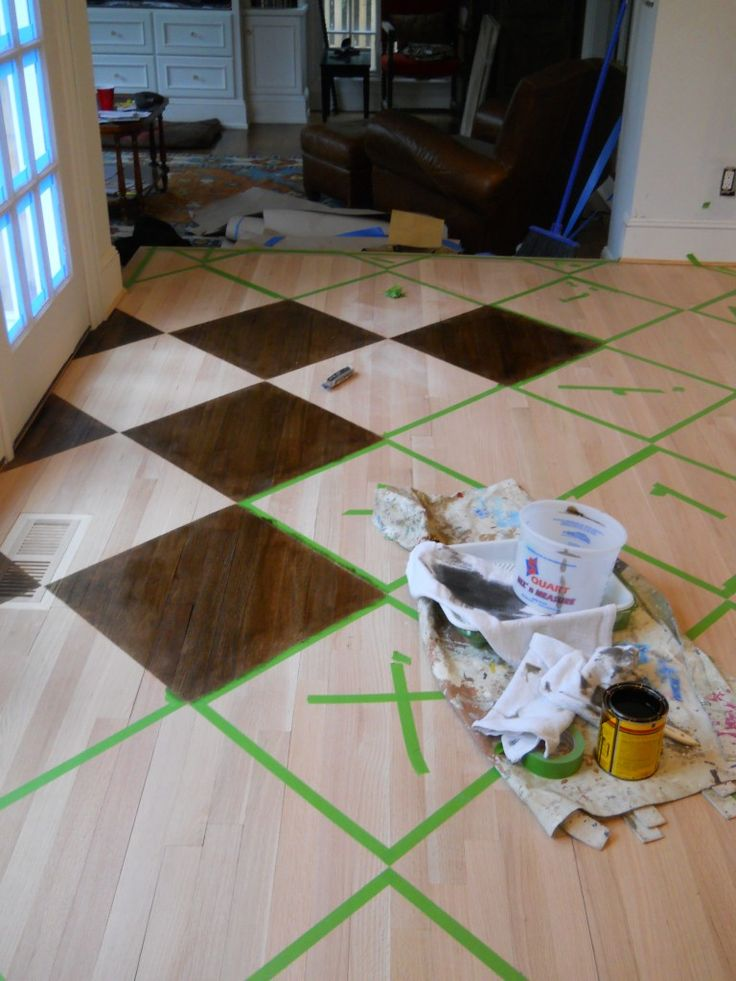 How to paint/stain a pattern on a wood floor by artist Arlene Mcloughlin, would be amazing with a stencil!