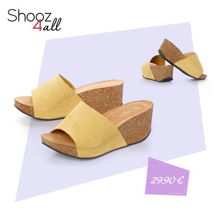 Δερμάτινα πέδιλα με κίτρινη φάσα! http://www.shooz4all.com/el/gynaikeia-papoutsia/dermatina-pedila-me-kitrini-fasa-8019-detail #shooz4all #dermatina #pedila
