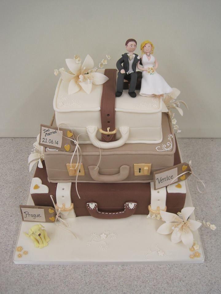Vintage Wedding Cake Decorations Uk : 25+ best ideas about Suitcase cake on Pinterest Travel ...