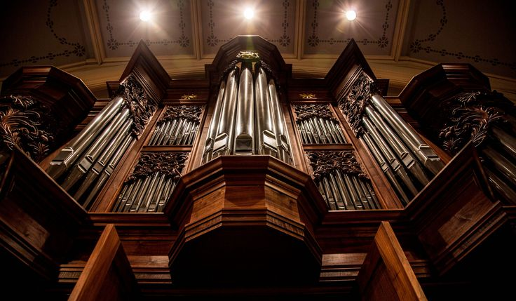 The Tireless Organ: Toccata — A collection of three prelude works for organ in various styles, from high German to jovial.