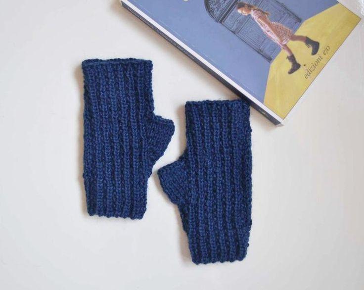 Guanti senza dita in lana blu, guanti a maglia  di Notforeat su DaWanda.com