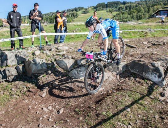 Il Team i.idro DRAIN-Bianchi ha rinnovato l'accordo con Chiara Teocchi per le stagioni 2015 e 2016.   http://www.mondociclismo.com/ciclismo-femminile-il-team-bianchi-mtb-rinnova-laccordo-con-chiara-teocchi20141025.htm   #mtb #ciclismo #TeamBianchiMTB