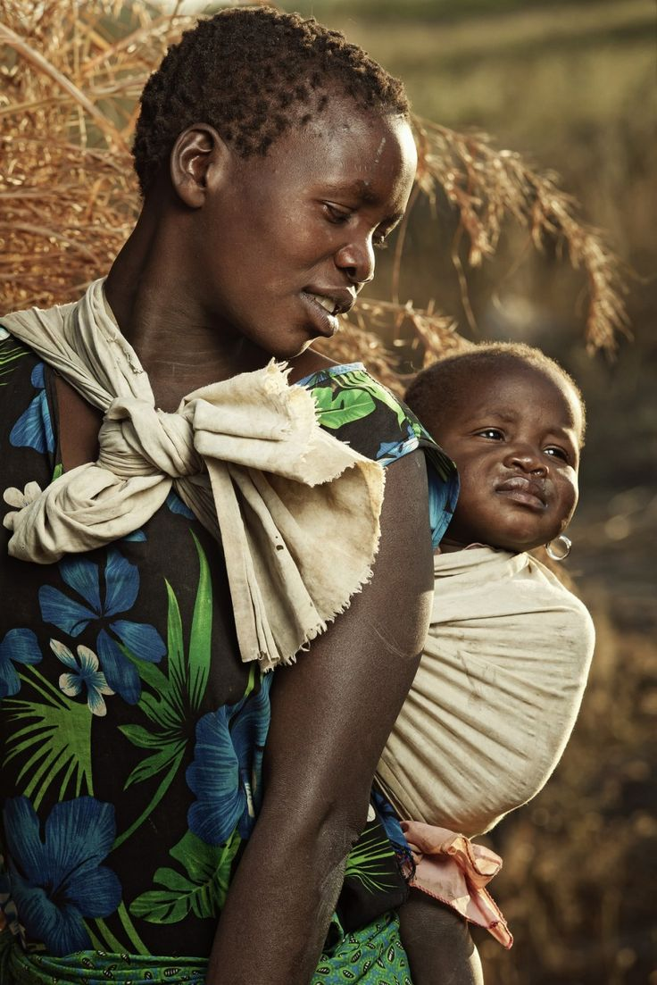 #People Culture Photography - Mother & Baby | Malawi This would be a great writing/discussion prompt for students. Students would be asked to talk/write about what they see? Where they think this picture was taken and Why?