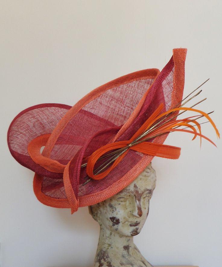 """Chapeau """" corsaire"""" en sisal framboise écrasée, orange et corail"""