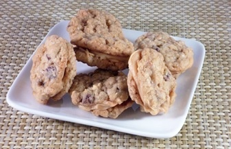 Chocolate Chip Toffee Oatmeal Cookies | Yummy stuff--Desserts | Pinte ...