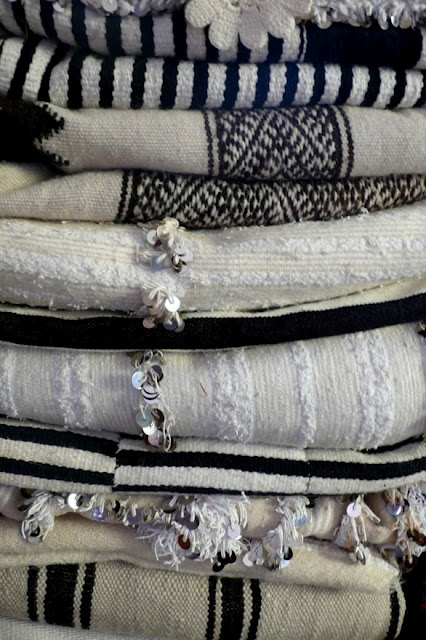blk and wht textiles