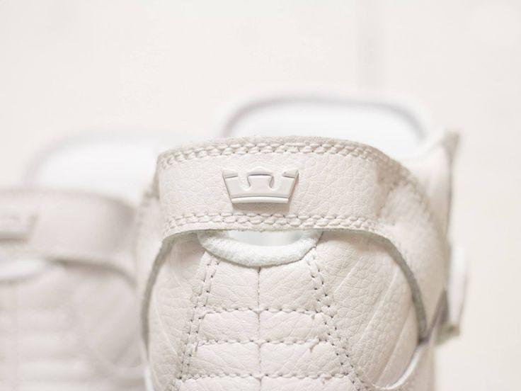 | Supra Skytop - White | Just in! #YOUSPORTY #Supra #skytop #sneakers